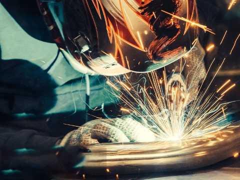道滘焊工证培训-焊工证培训巧取断螺钉